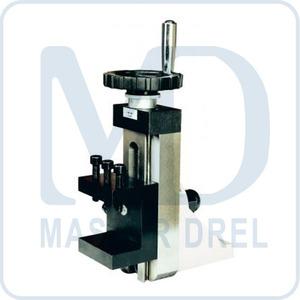 50000920 BD-7, вертикальный суппорт с тисками